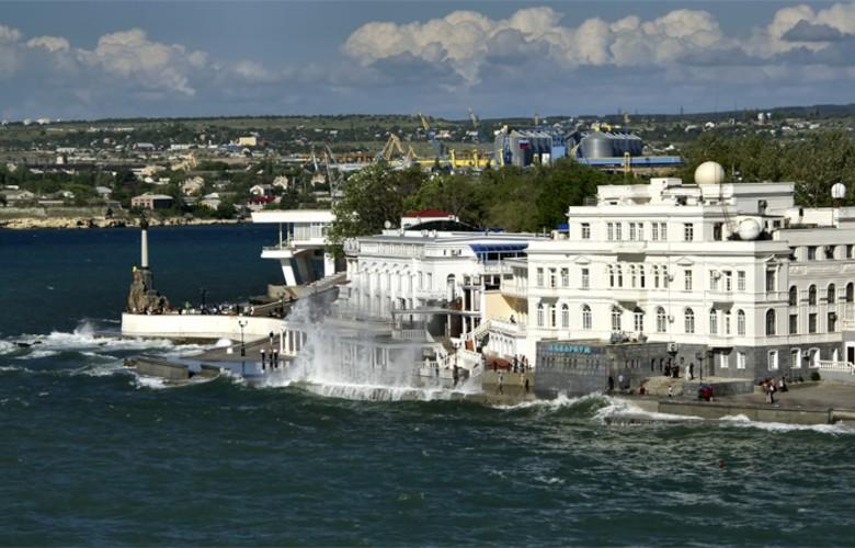 Отдых в Крыму. Приморский бульвар Севастополя