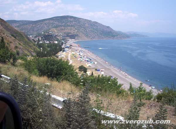 Отдых в Крыму. Рыбачье: горы и море, фрукты и вино