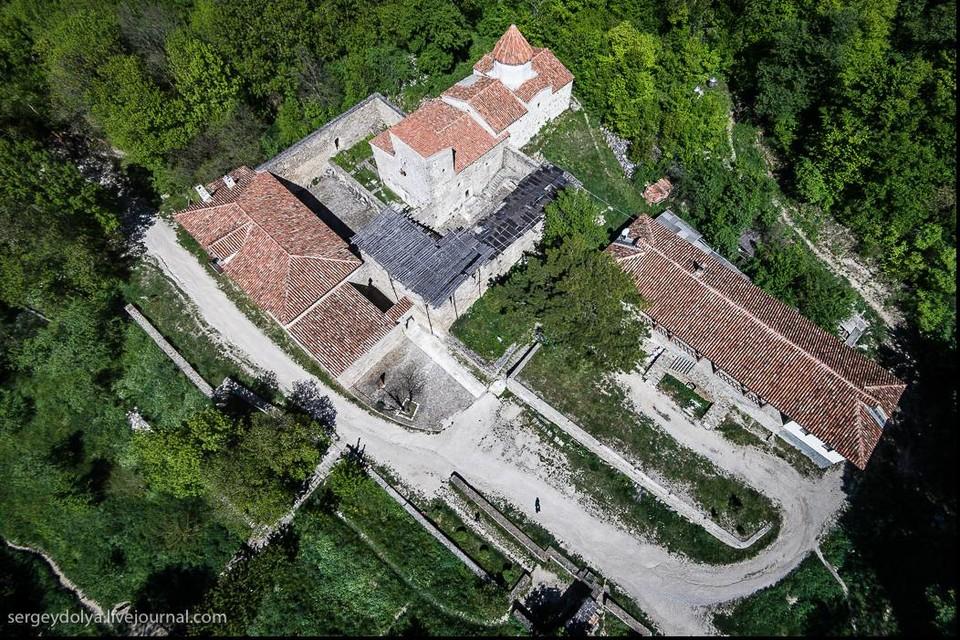 Отдых в Крыму. Сурб-Хач армянский монастырь