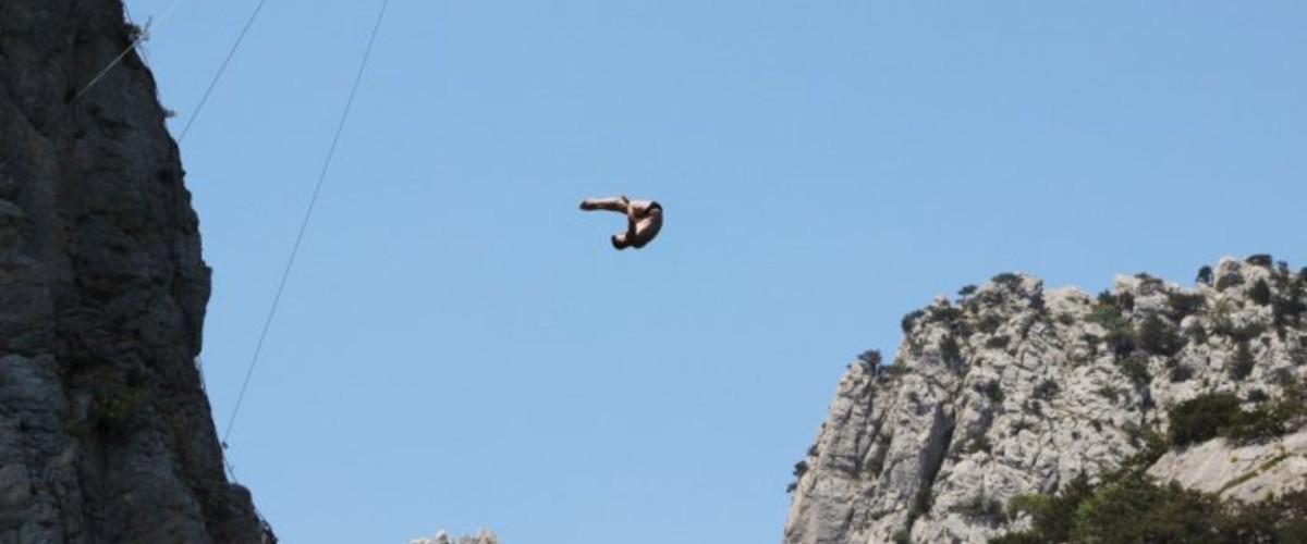 Отдых в Крыму. Вышка на скале Дива в Симеизе станет тренировочной базой хай-дайвинга